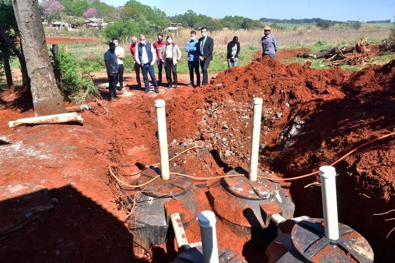 Kits de esgotamento sanitário estão sendo instalados em 250 residências do Bairro Indubras